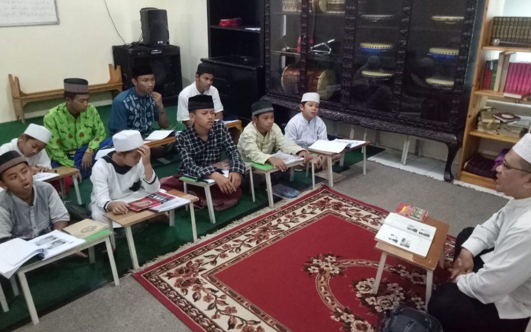 Perlukah Peran Orang Tua dalam Menjadikan Anaknya Hafidz Qur'an ?